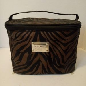 Nine West Travel Beauty Cosmetic Bag Animal Print